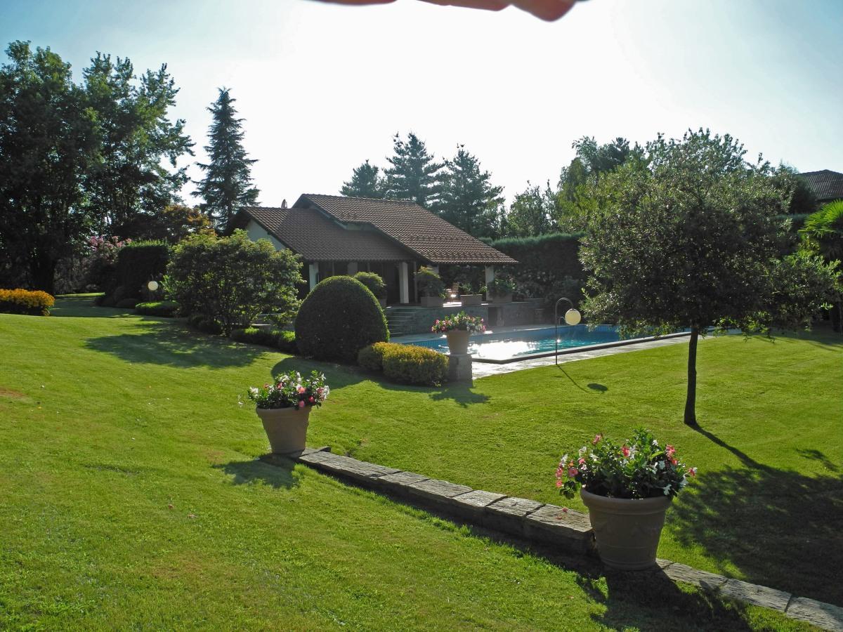 Bed & Breakfast Ca' Mia B&B di Charme Roppolo, Biella Piemonte Italy piemonte, lusso, luxury, piscina, swimming pool